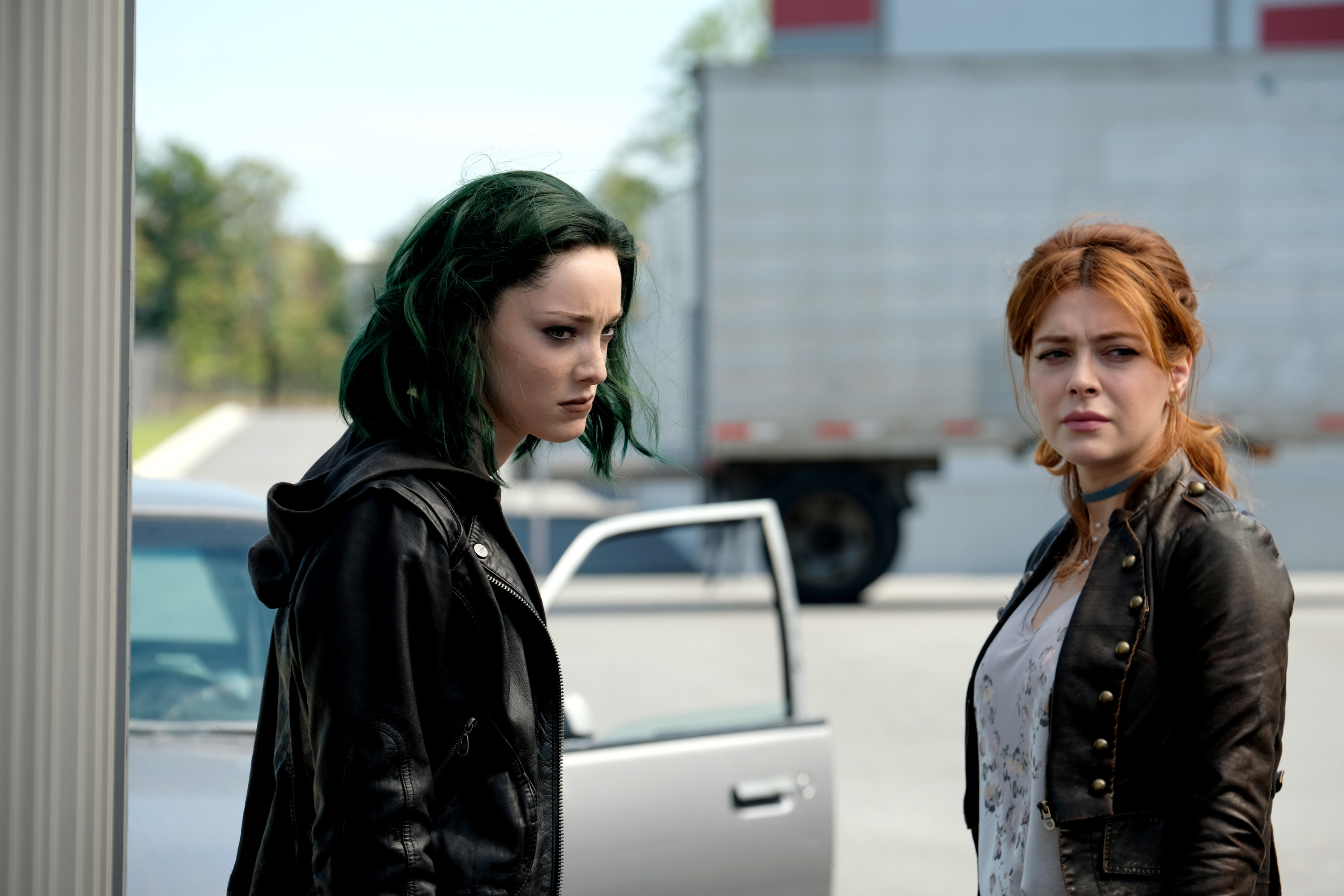 "THE GIFTED:  L-R: Emma Dumont and guest star Elena Satine in the ""eXtreme measures"" episode of THE GIFTED airing Monday, Nov. 13 (9:00-10:00 PM ET/PT) on FOX.  ©2017 Fox Broadcasting Co.  Cr:  Eliza Morse/FOX"