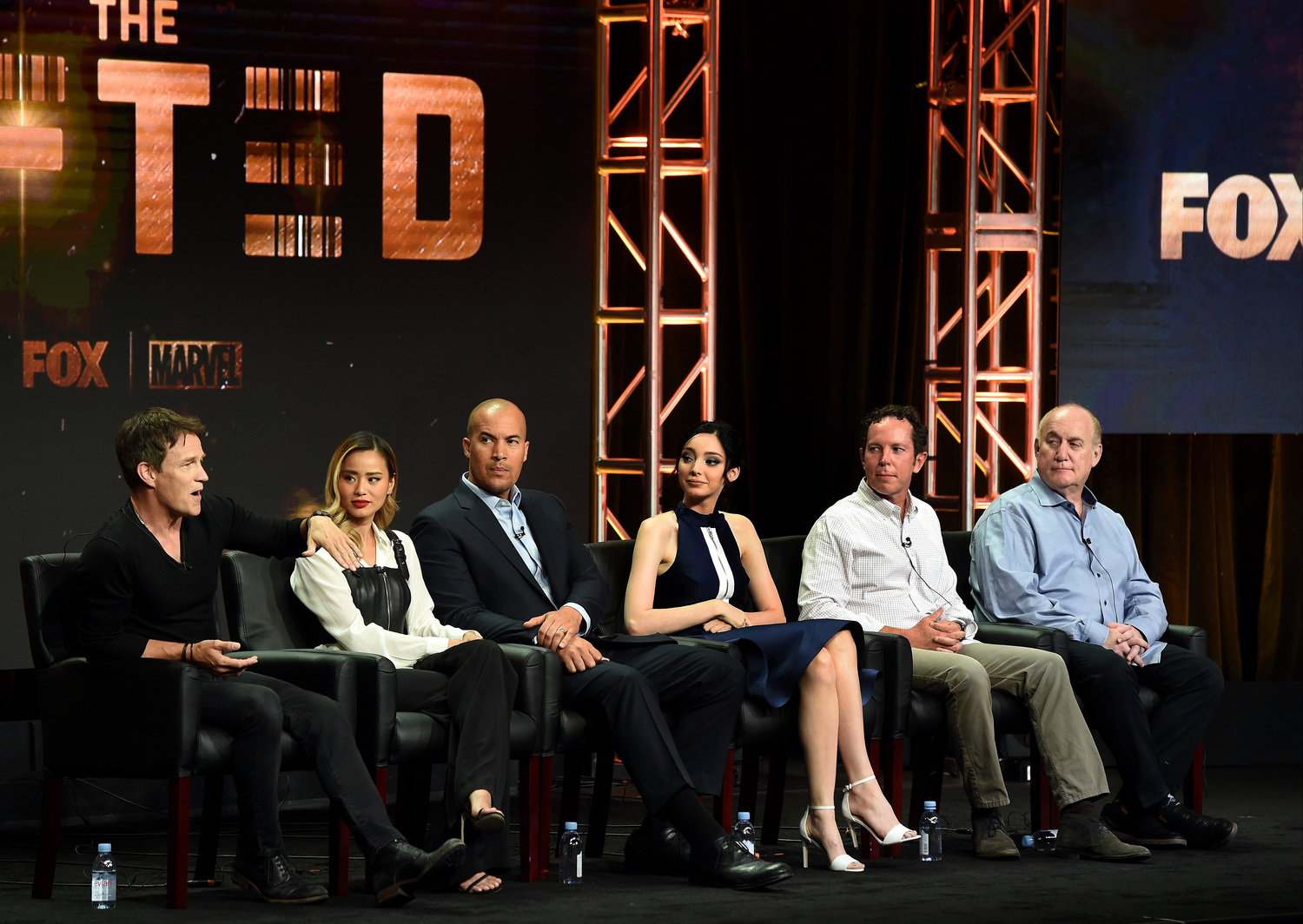 2017 FOX SUMMER TCA: L-R: THE GIFTED cast members Stephen Moyer, Jamie Chung, Coby Bell, Emma Dumont, Executive Producers Matt Nix and Jeph Loeb during THE GIFTED panel at the 2017 FOX SUMMER TCA at The Beverly Hilton Hotel, Tuesday, August 8 in Beverly Hills, CA. CR: Frank Micelotta/FOX/PictureGroup